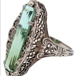 VICTORIAN STYLE SS ELONGATED EMERALD RING 7 1/2